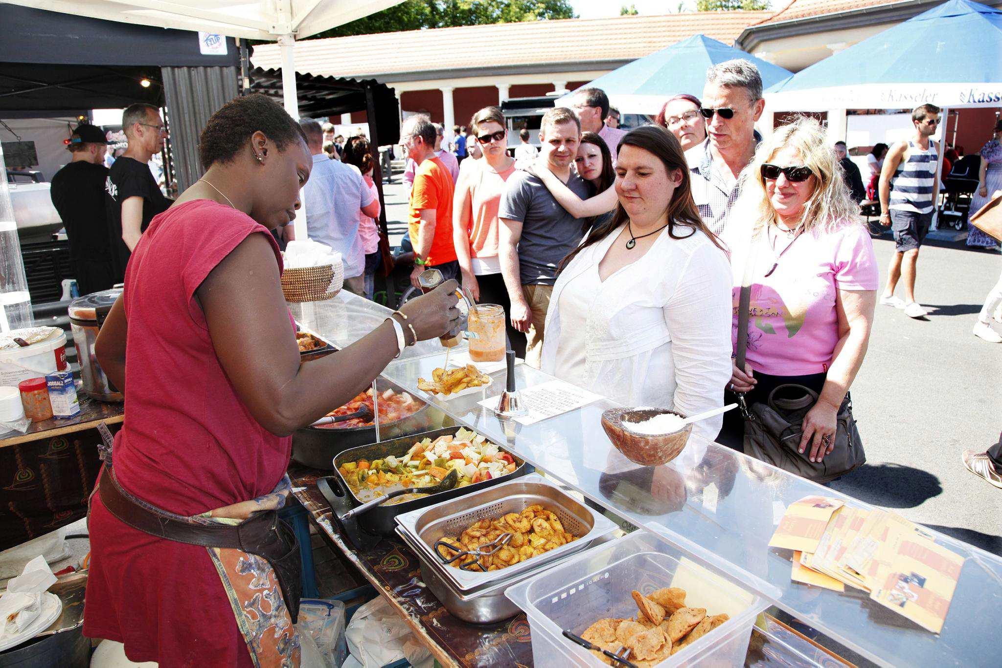 Rund Um Die Welt Schlemmen Bei Street Food Festival Vorderer Westen