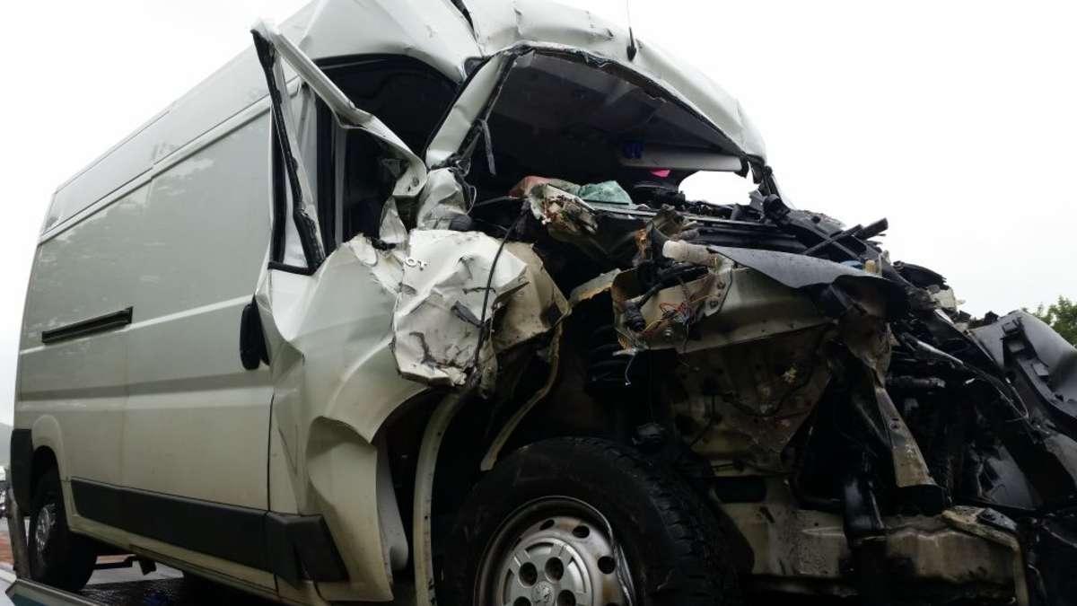 Unfall auf der A44 bei Diemelstadt: Ein Mann verletzt | Diemelstadt