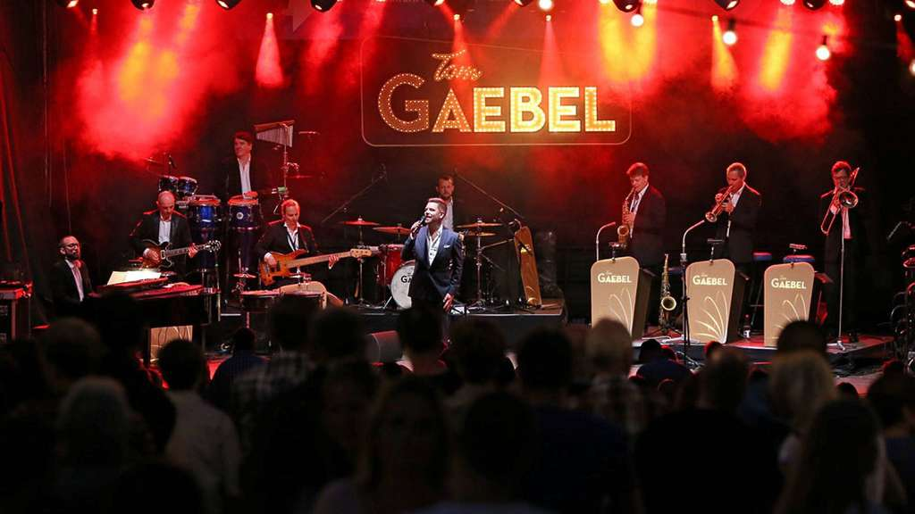 Top-Act beim Open-Air-Festival im Kaiser-Wilhelm-Park: Tom Gaebel & His Orchestra. Foto: Kuhl