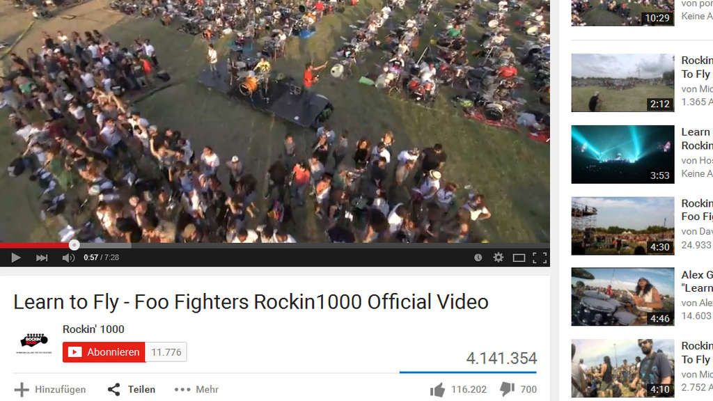 1000 Musiker performen &#39&#39Learn To Fly&#39&#39 von den Foo Fighters