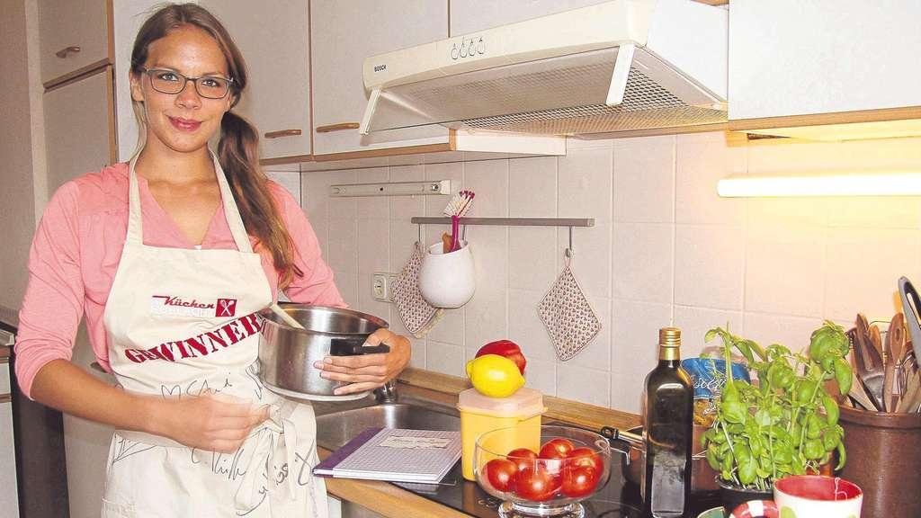 Frau Aus Borken Bei Der Kuchenschlacht Im Zdf Borken Hessen