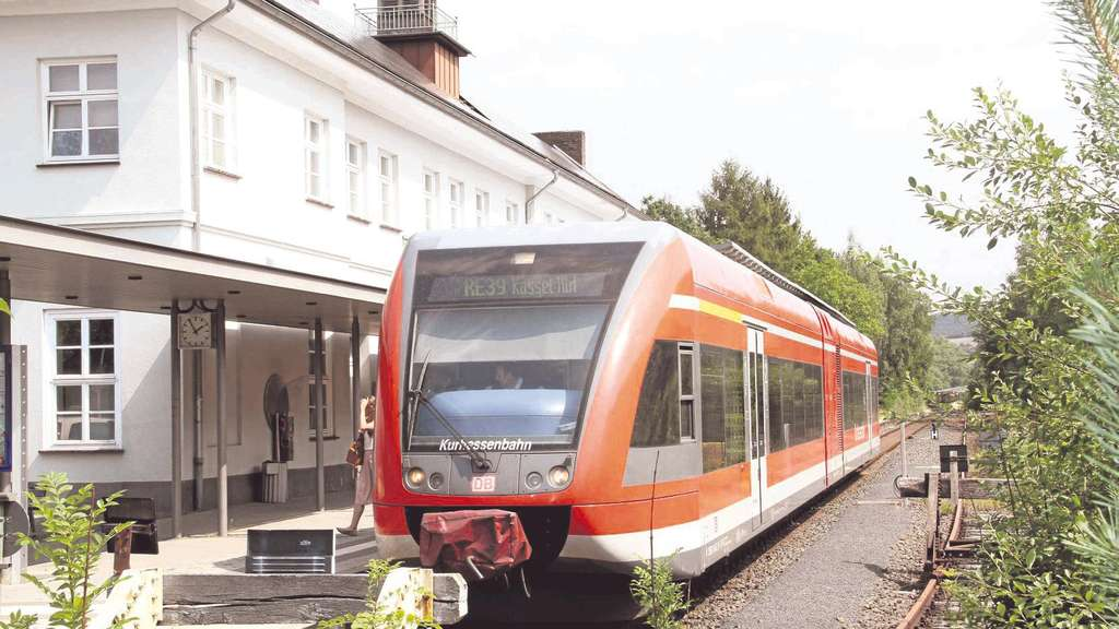 Alle zwei Stunden direkt mit der Bahn nach Kassel | Bad Wildungen