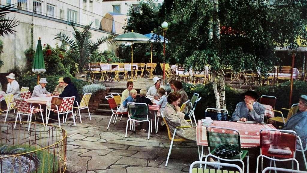 Cafe Jung War In Einem Hinterhof Am Karlsplatz Mitte Kassel