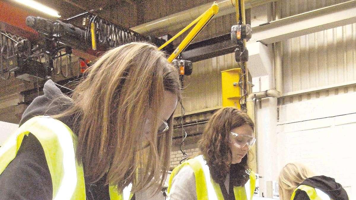 Kunstprojekt im betrieb uslar solling - Terex material handling port solutions ag ...