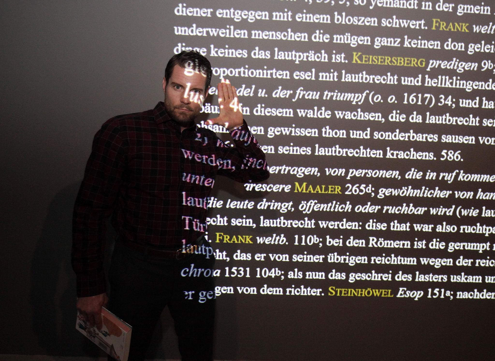 Us Schauspieler Damien Puckler Besuchte Grimmwelt In Kassel Kassel