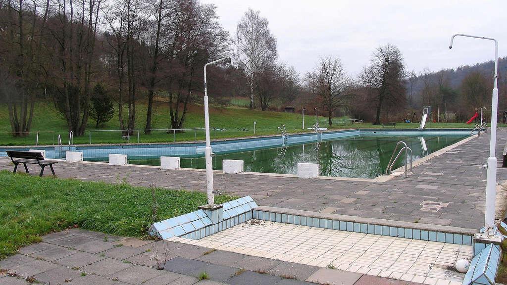 Schwimmbad spangenberg