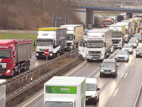 Nach Warnung vor Lkw-Chaos: Alternative A44-Trasse in aller Munde