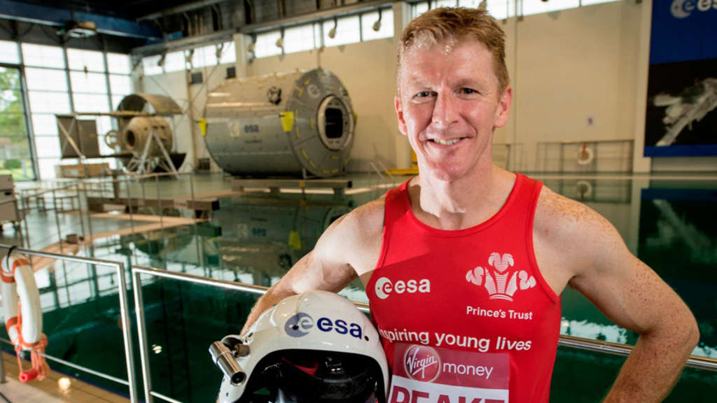 "HANDOUT - An ESA handout released on 04 Decembre 2015 shows ESA astronaut Tim Peake at the European Astronaut Centre in Cologne, Germany. As the thousands of runners start the London marathon this April, British ESA astronaut Tim Peake will run the full 42 km distance on a treadmill in the International Space Station. Photo: ESA/dpa ACHTUNG: Nur zur redaktionellen Verwendung im Zusammenhang mit der Berichterstattung und nur mit Nennung ""Foto: ESA/dpa"" +++(c) dpa - Bildfunk+++"