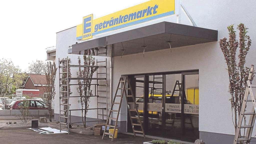 Nach Großbrand: Edeka-Getränkemarkt in Sandershausen wird ...
