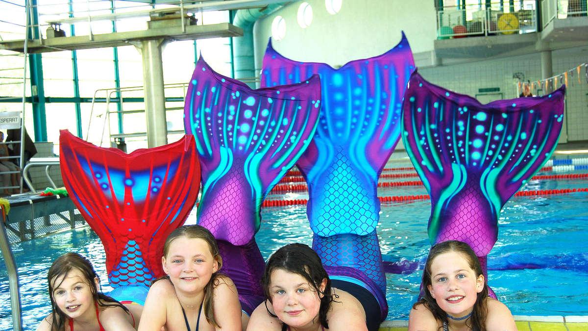 Aqua park in baunatal bietet kurse f r meerjungfrauen for Naturteich zum schwimmen