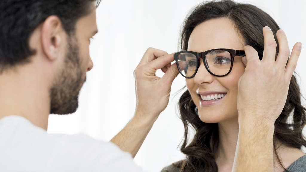 Typberatung Brille – das richtige Gestell für jede Frau | Wolfhagen