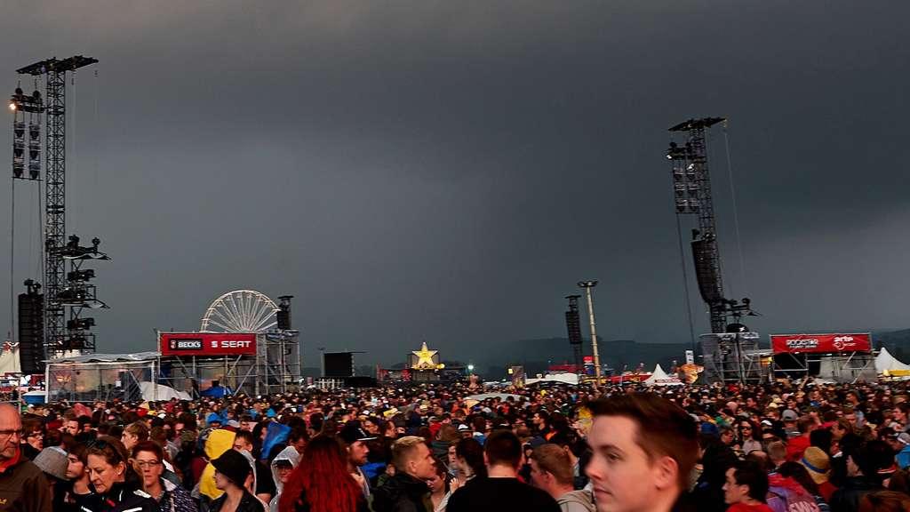 Blitzeinschlag Bei Rock Am Ring 51 Verletzte Kultur