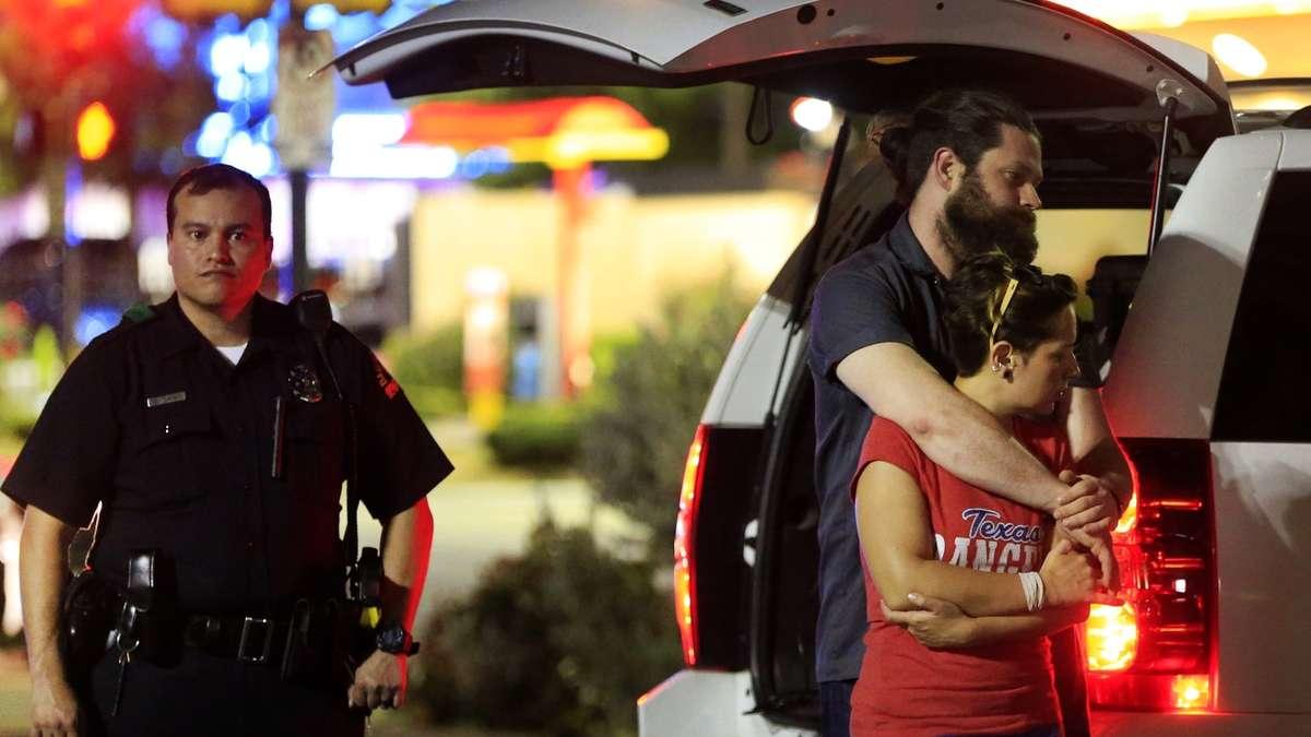 In Dallas: Fünf Polizisten bei Anti-Rassismus-Demo erschossen | Politik