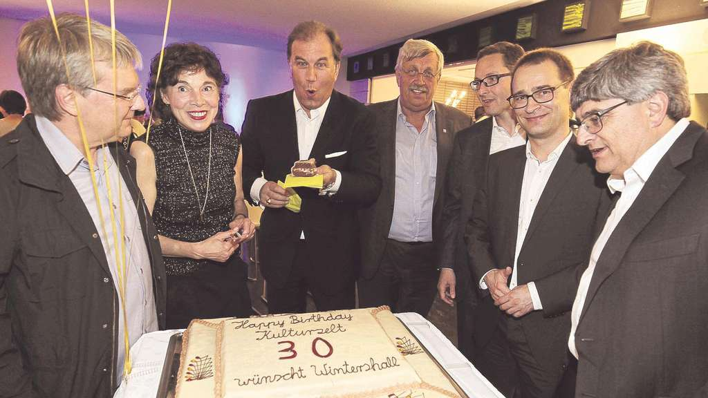 Happy-Birthday, Kulturzelt