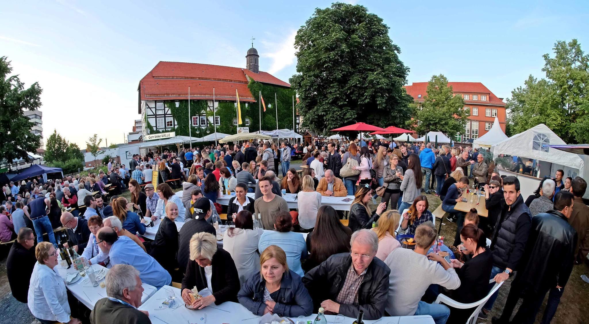 Northeimer Weinfest: Tausende Gäste feierten auf dem Münster | Northeim