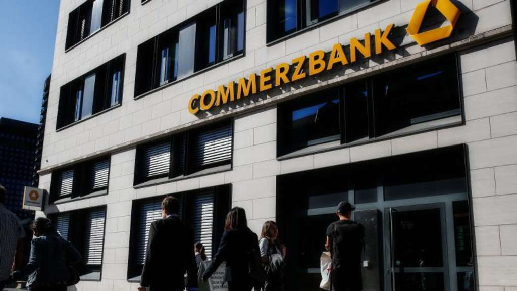 Commerzbank-Filiale in Frankfurt am Main. Foto: Roman Pilipey