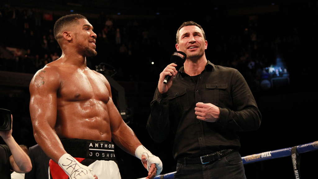Wladimir Klitschko trifft am 29. April 2017 in London auf Anthony Joshua (l.).