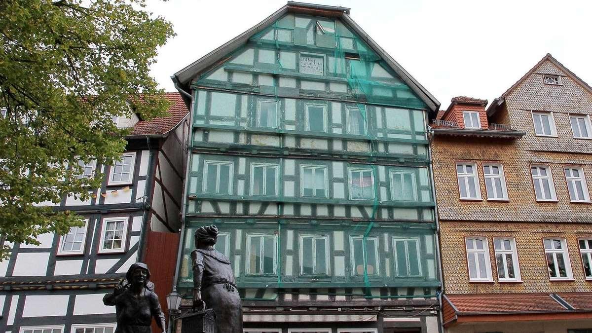 f r einen euro stadt rotenburg will haus marktplatz 3 verkaufen rotenburg an der fulda. Black Bedroom Furniture Sets. Home Design Ideas