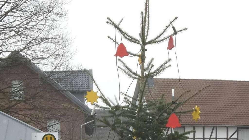 Schmuck Für Weihnachtsbaum.Diebe Stahlen Schmuck Vom Weihnachtsbaum In Ostheim Melsungen
