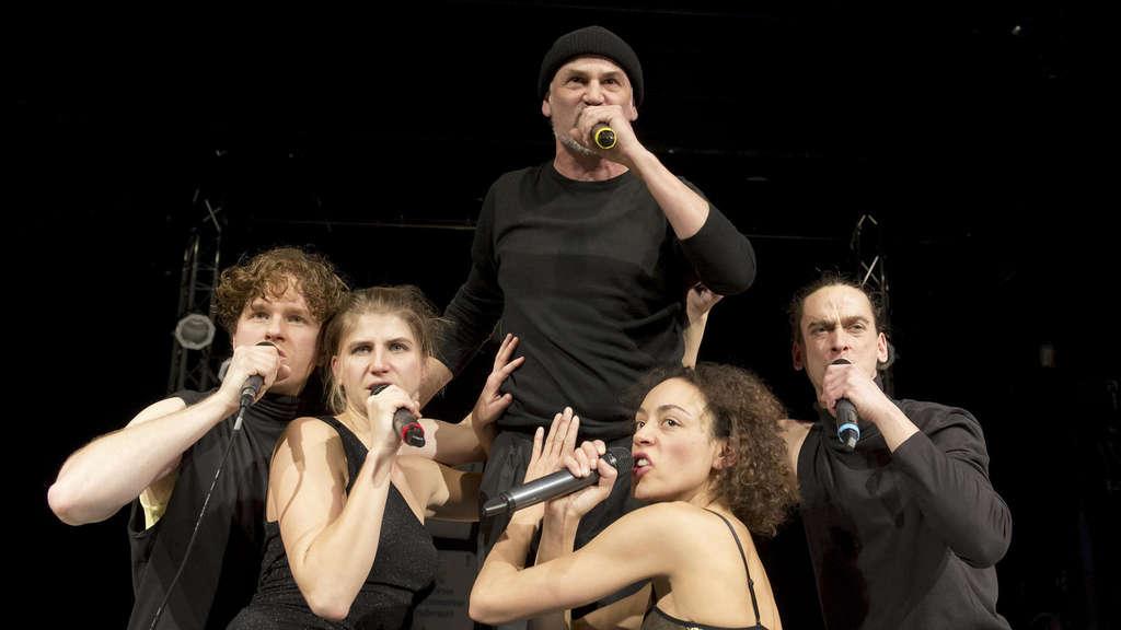 Kühlschrank Punk : Im jungen theater treffen sich punk und chanson kultur