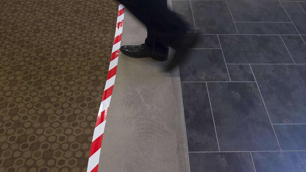 Fußbodenplatten Quote ~ Nach 40 jahren: kunststoff statt teppichboden in der göttinger uni