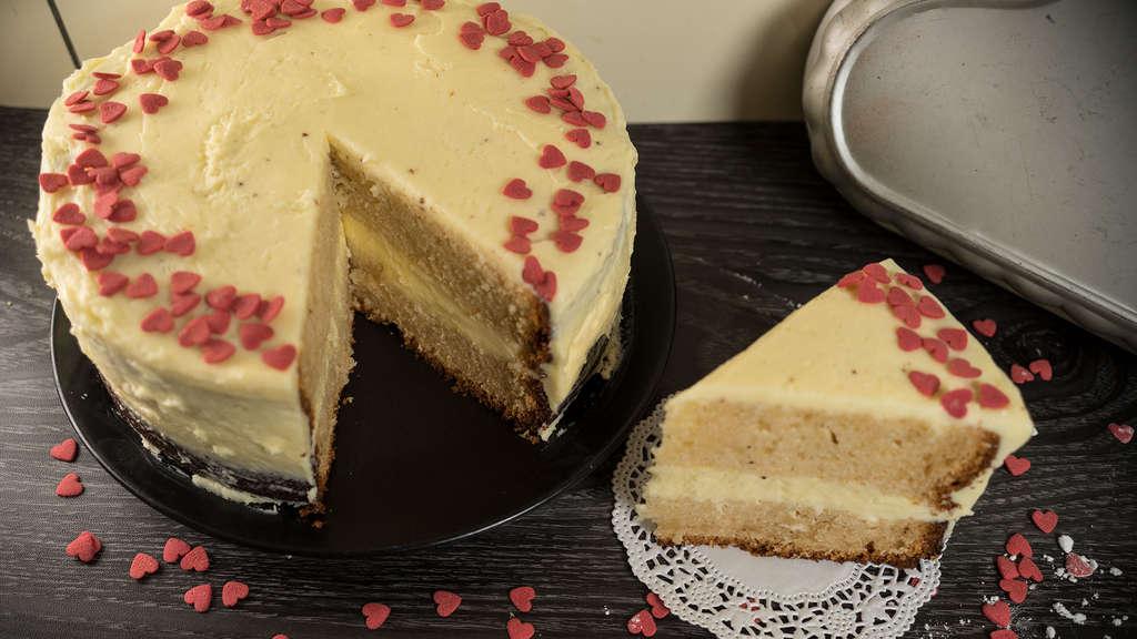 Geschenk Zum Valentinstag Rezept Fur Einfache Buttercremetorte Welt
