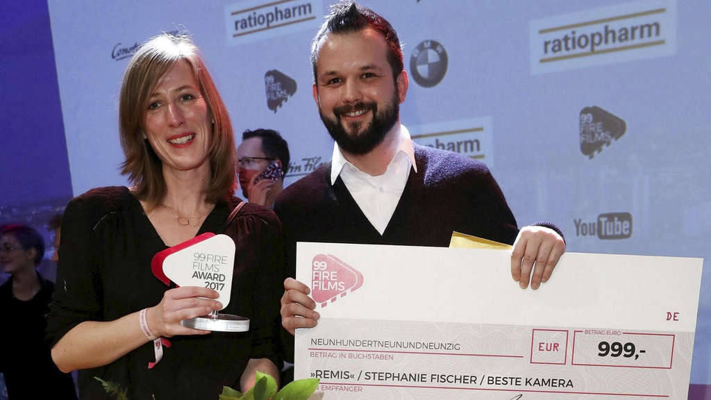 "Gewinnerin für die ""Beste Kamera"": Stephanie Fischer aus Göttingen. Foto: Sean Gallup/Getty Images for 99Fire-Film-Award/nh"