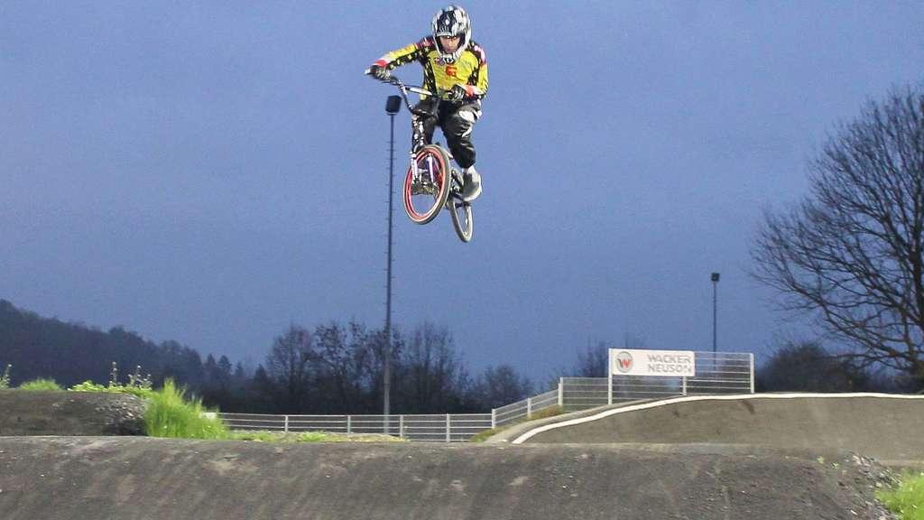 Investition von 70.000 Euro: BMX-Arena in Ahnatal wird aufgewertet ...