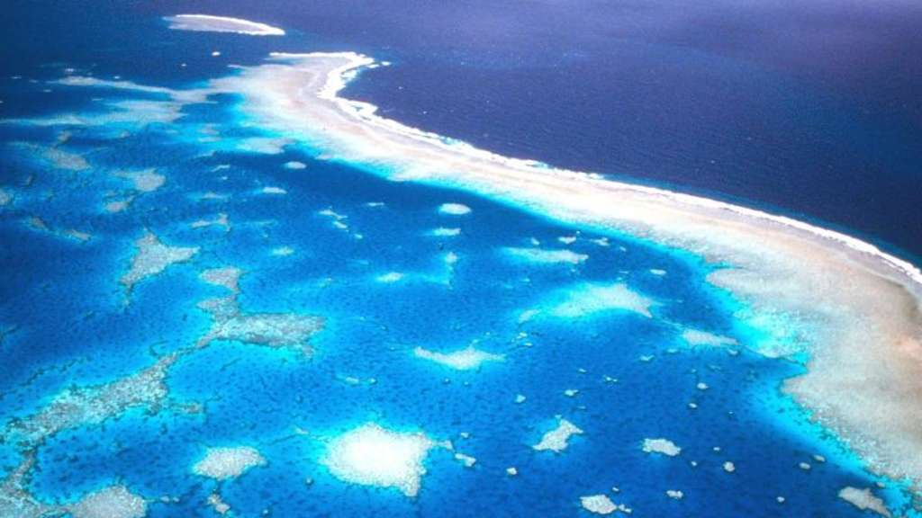 Luftaufnahme des Great Barrier Riffs vor der Küste Australiens. Foto: Great Barrier Reef Marine Park Authority/Archiv