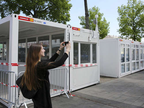 documenta: Ticket-Container in Kassel stehen - Tageskarte kostet 22 Euro