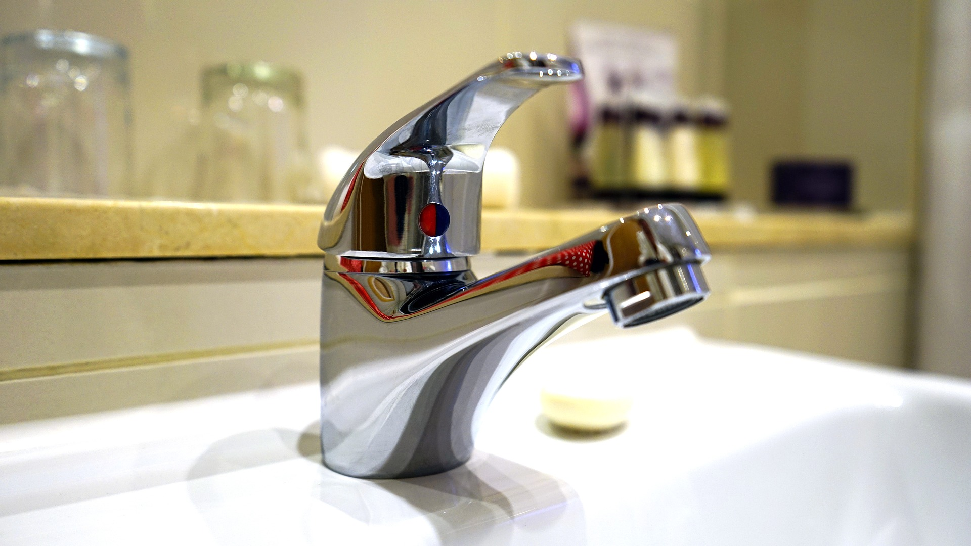 Kalk entfernen so wird ihr bad blitzeblank wohnen - Kalk entfernen wasserkocher ...