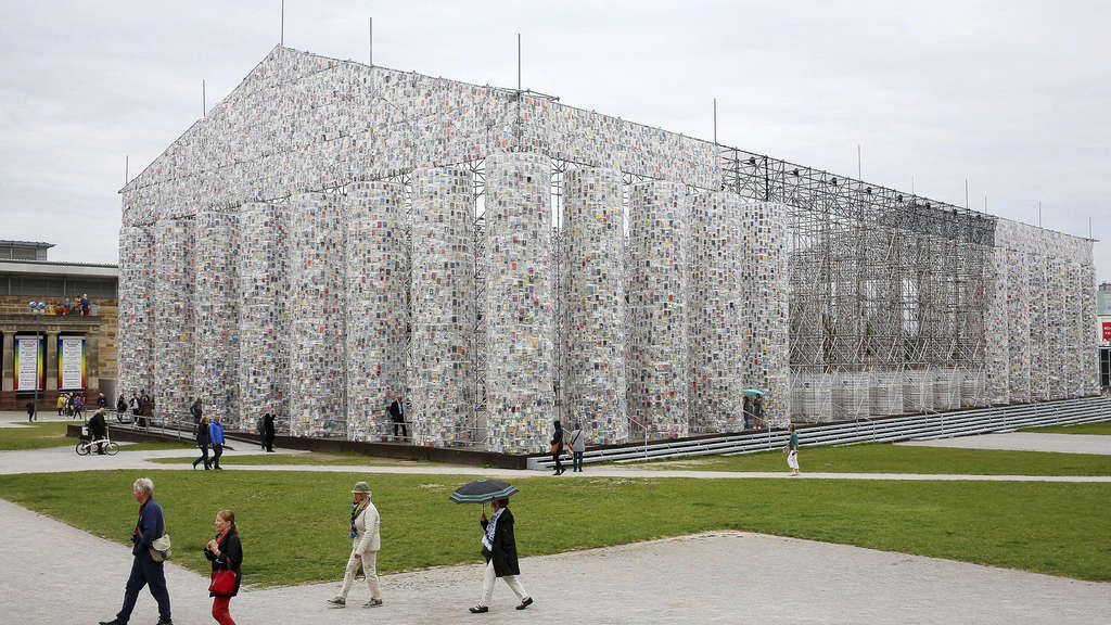 "Documenta 14, Marta Minujín ""Parthenon der Bücher"""