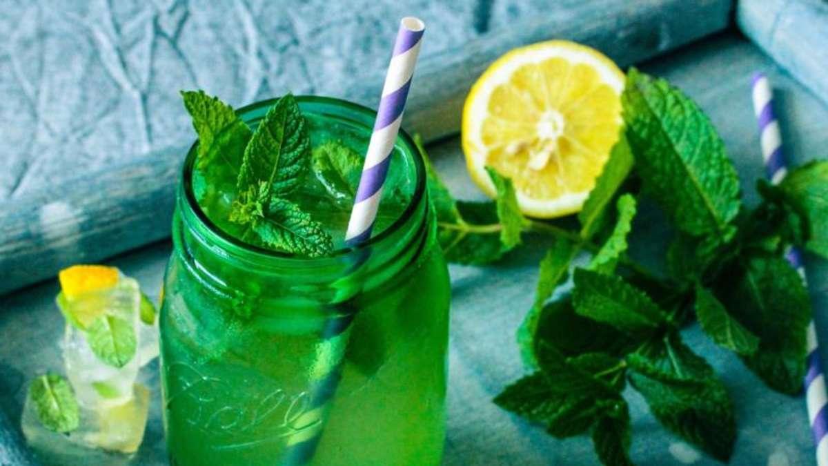 zitronen minz limonade mit honig gesundheit. Black Bedroom Furniture Sets. Home Design Ideas