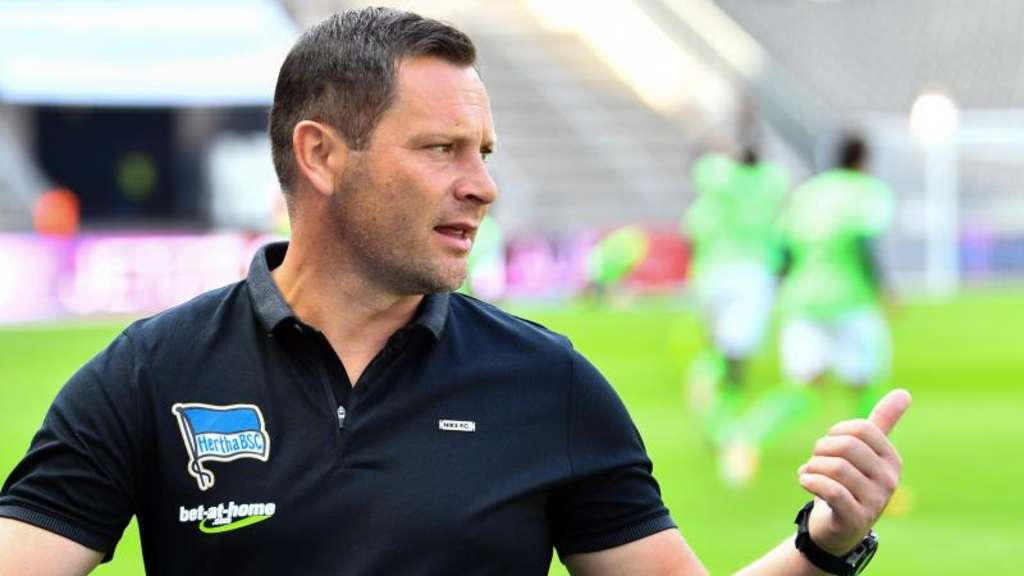 Gibt sein Trainer-Debüt auf internationaler Ebene: Hertha-Trainer Pal Dardai. Foto: Soeren Stache