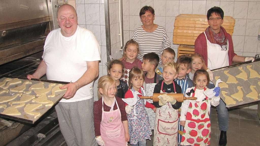 Kindergartenkinder backten in Bad Sooden-Allendorf Martinsgänse