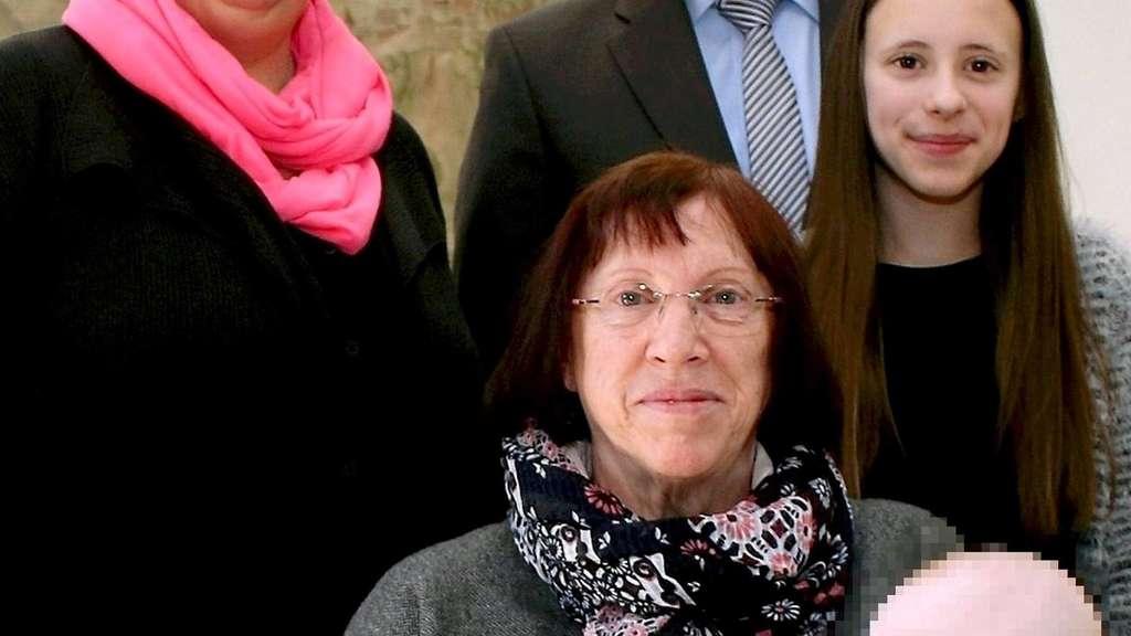 Pflegemutter 70 Aus Reddighausen Betreute Mehr Als 70 Kinder