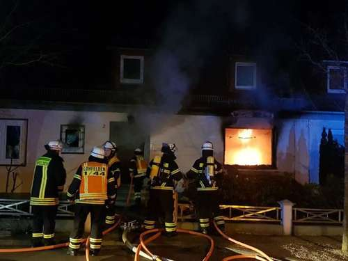 Haus geriet in Lohfelden in Brand