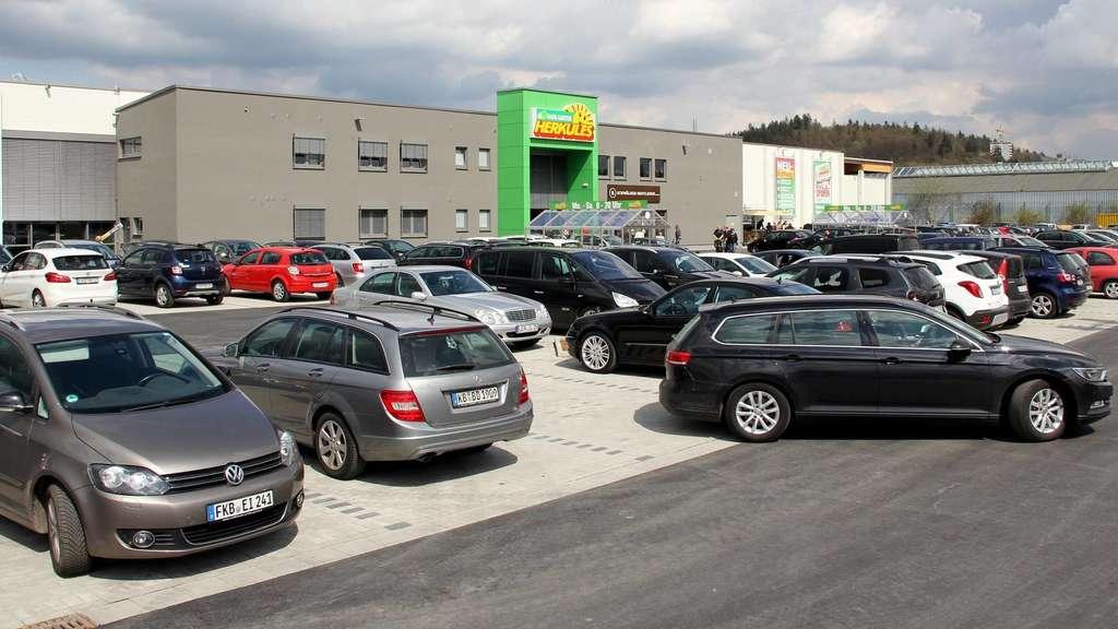Baumarkt Wolfhagen kein parkplatz mehr kunden stürmen neuen baumarkt in