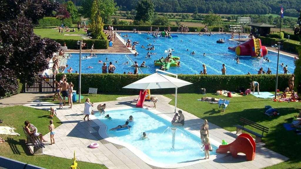 Freibad bad sooden allendorf ffnet am samstag bad for Schwimmbad herzogenaurach