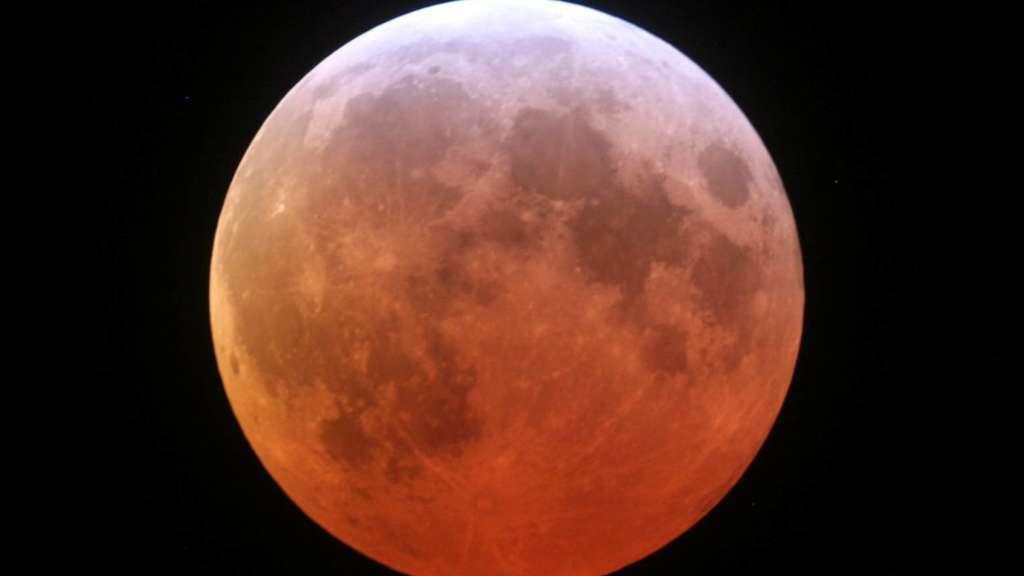 Mondfinsternis Hobby Anstronom Beobachtet Mars Und Mond Ludwigsau