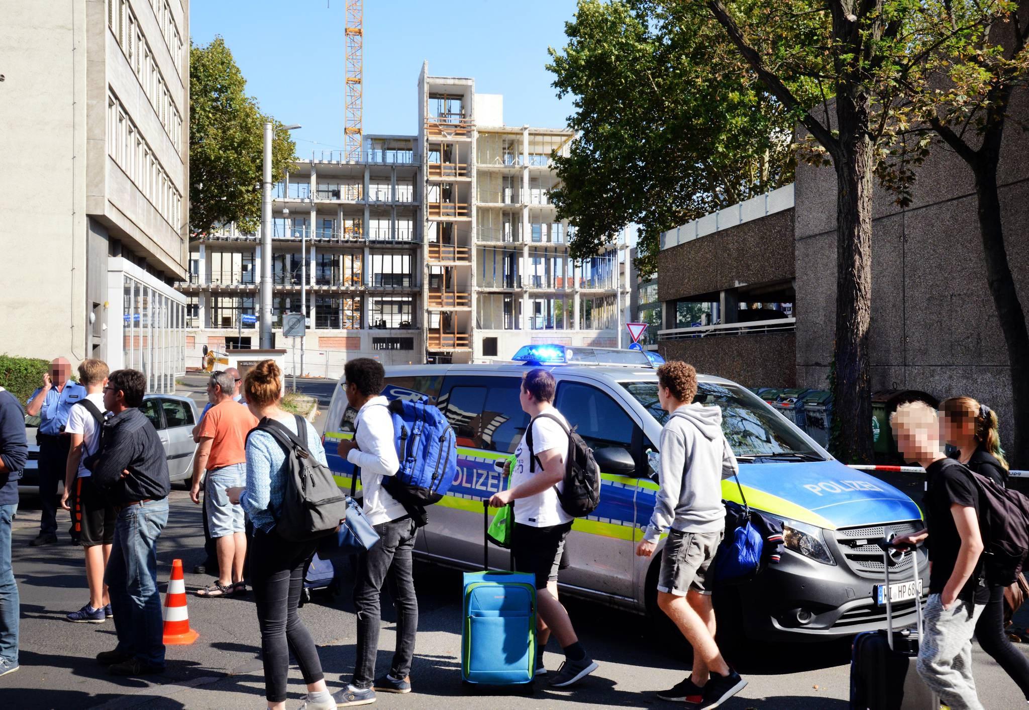 Nach Bombenfund in Kassel: Großeinsatz für Rettungskräfte | Mitte ...
