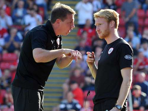 Mit 25 Co-Trainer in der Football League One: Dieser Einbecker startet in England durch