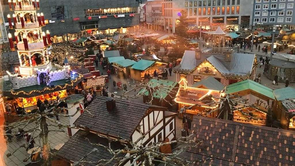 Wann Ist Der Weihnachtsmarkt.Weihnachtsmarkt Kassel 2018 Infos Zu Eisrutsche Und Attraktionen
