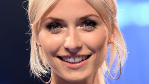 """The Voice of Germany"": Lena Gercke oben ohne im Studio?"