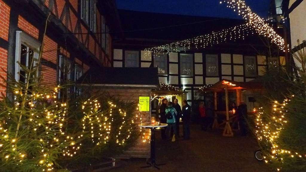 Uslarer Weihnachtsmarkt im Museums-Sattelhof | Uslar / Solling