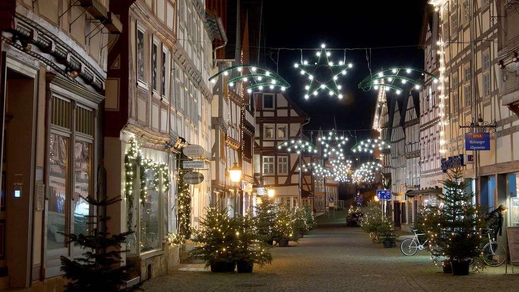 Weihnachtsmarkt Melsungen.Weihnachtsmark Melsungen Illuminierte Fachwerkkulisse Anzeigen