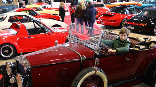 Oldtimer-Messe Technorama in Kasseler Messehallen