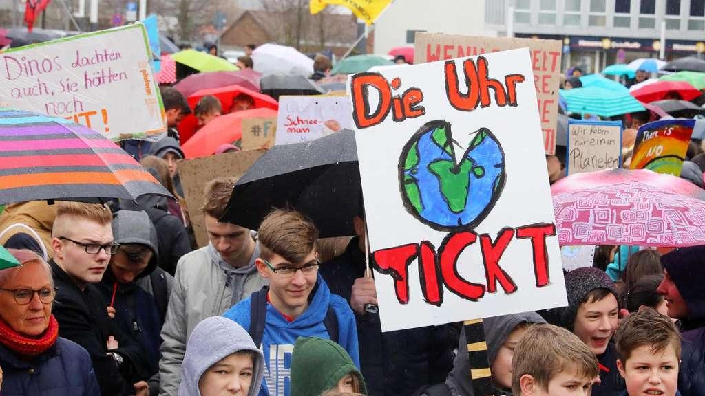 Am Freitag demonstrierten mehr als 2000 Schüler in Kassel.