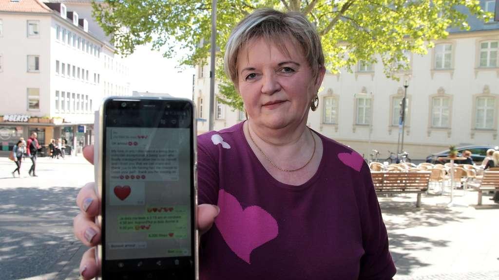 Scammer frau will mich treffen [PUNIQRANDLINE-(au-dating-names.txt) 60