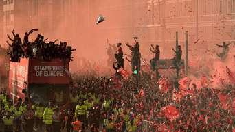 League Cup News Liverpool Siegt Locker Chelsea Feiert